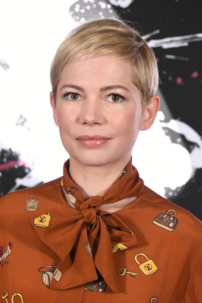 Tucked-to-the-Side Best Short Pixie Cut Hairstyles - Cute Pixie Haircuts for Women