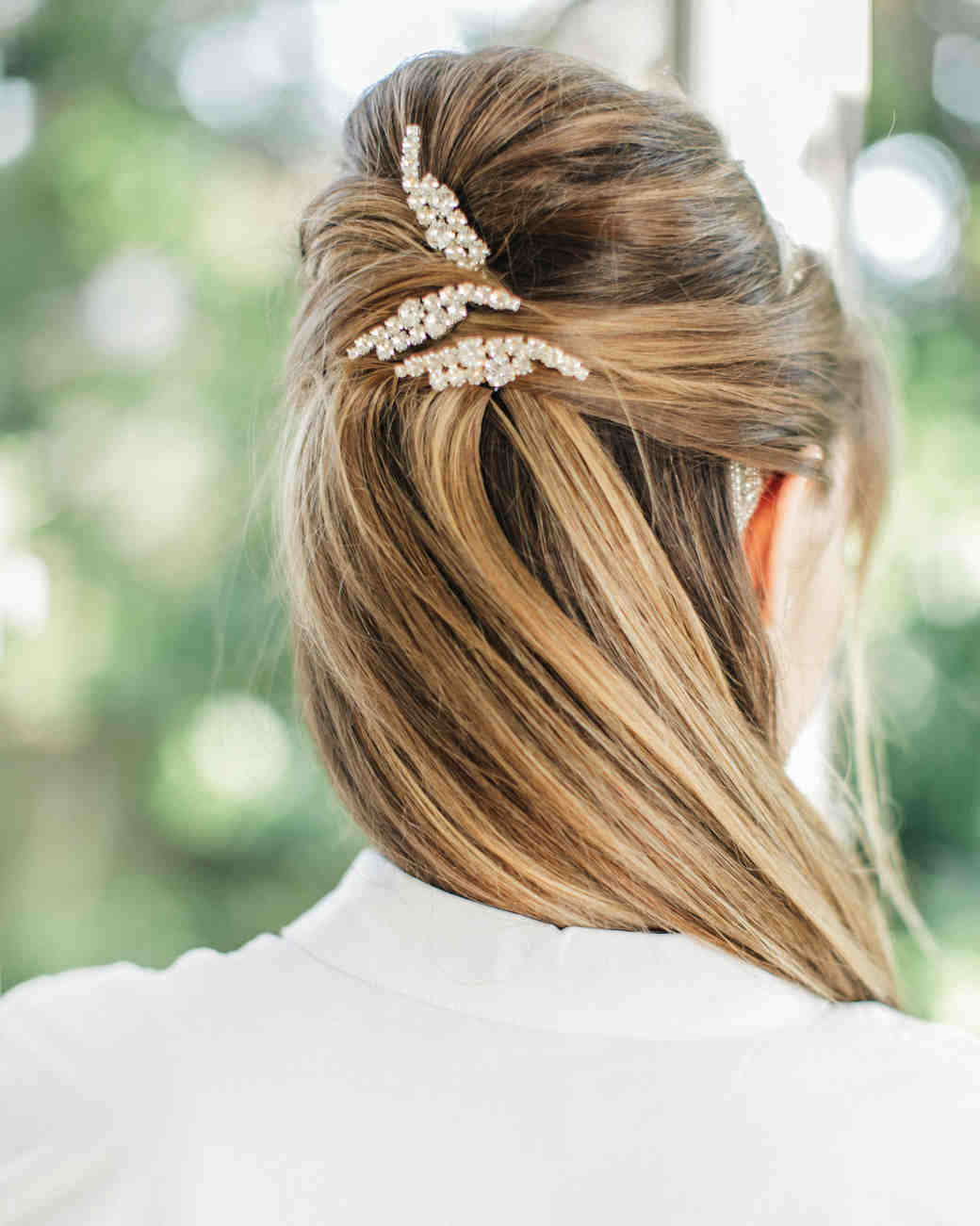 Twisted-Knot-Hairstyle Classy and Charming Hairstyles for Wedding Guest