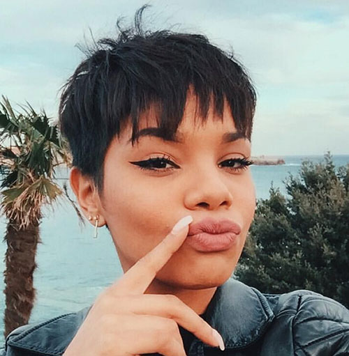 Very-Short-Easy-Haircut-with-Bangs Cute and Chic Ways to Have Short Hair with Bangs