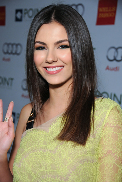 Victoria-Justice-2019-Long-Hairstyles-Long-Straight-Cut Popular Hairstyles – Short Pixie, Bob and Long Layered Hairstyles