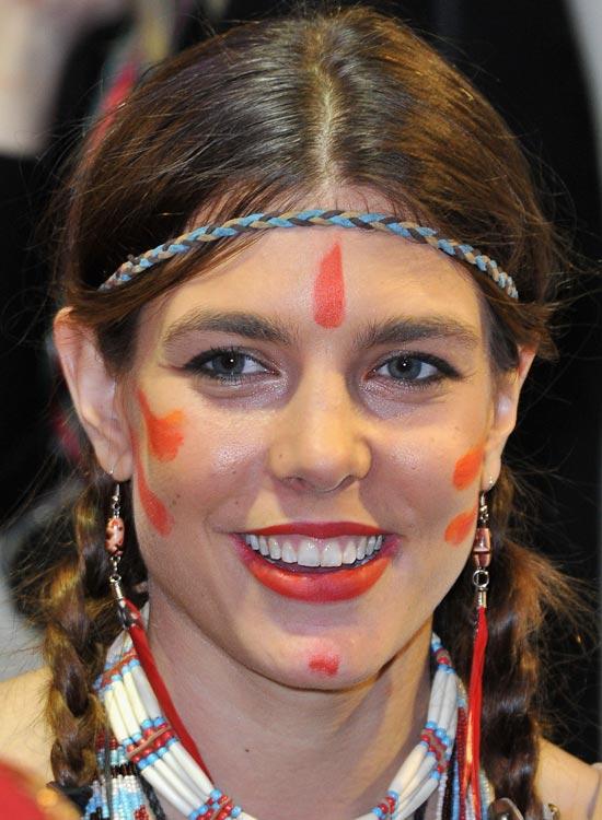 Coloured-One-Rope-Headband Best Hippie Hairstyles