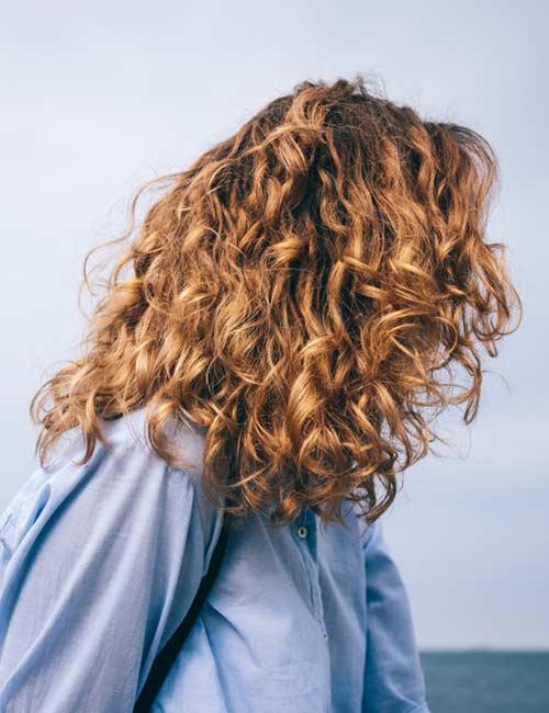 Dark-Honey-Blonde Fabulous Hair Colors To Beat The Heat This Summer