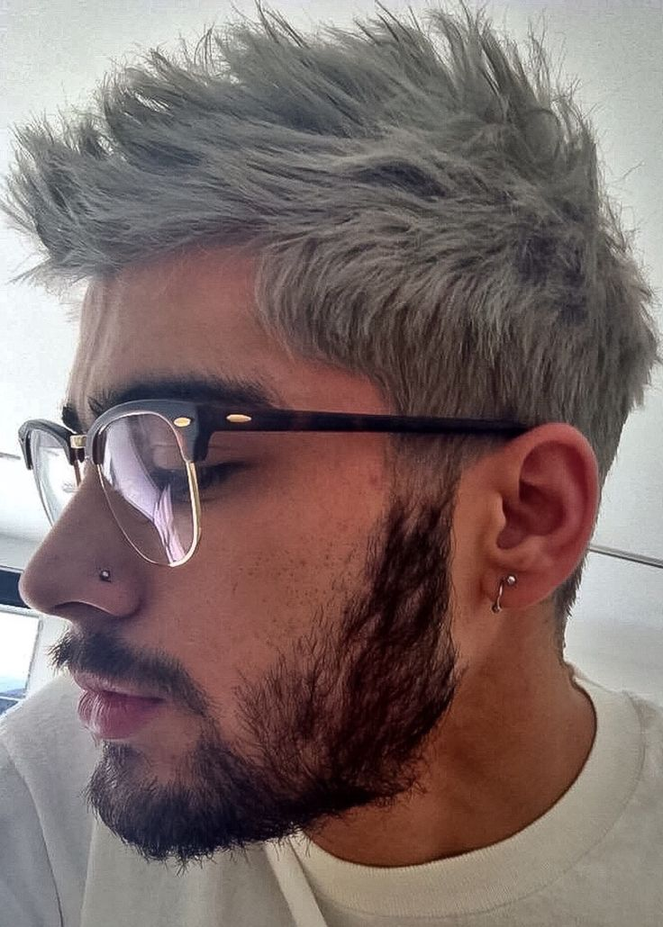 Extreme-Brush-Up-Hairstyle Grey Hairstyles for Men to Look Smart and Dashing