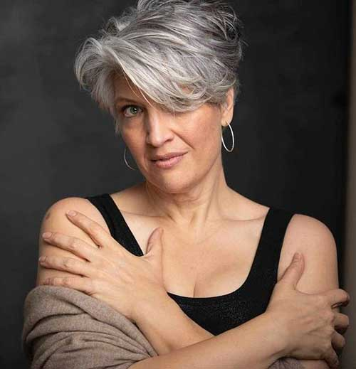 Layered-Cut Ideas of Short Hairstyles for Women Over 50