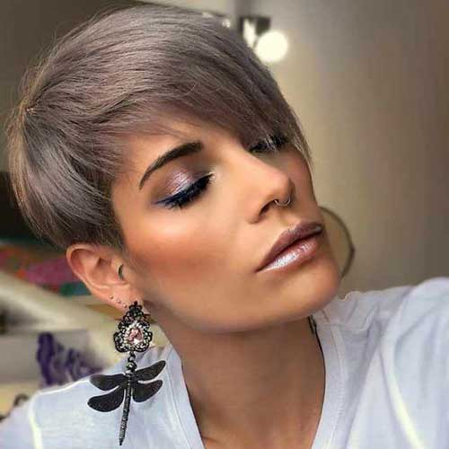 Layered-Short-Hairstyle-for-Women-Over-40 Best Short Haircuts for Over 40