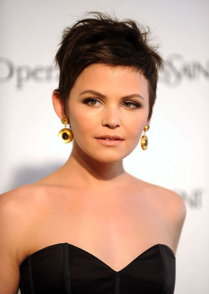 Shabby-Pixie-Cut Style Personified Short Hairstyles for Young Women