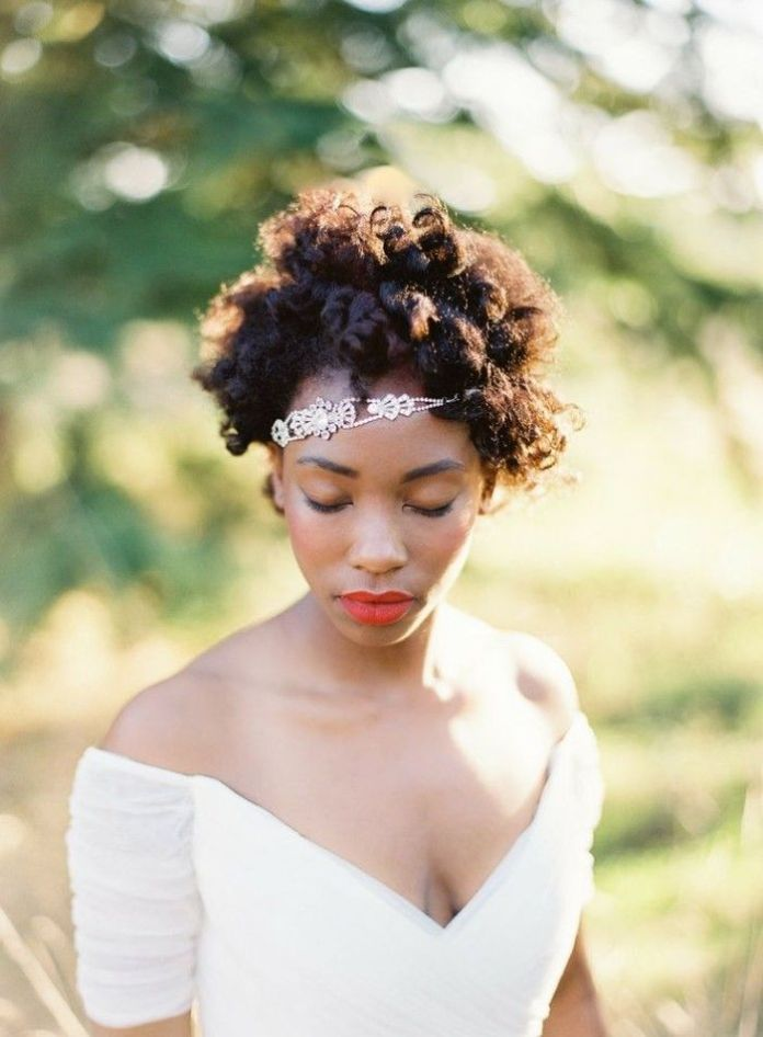 Short-Curls-with-Hairpiece-Hairstyle Most Beautiful Natural Hairstyles for Wedding