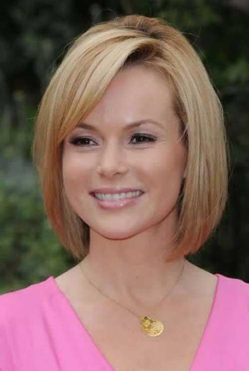 Straight-Fine-Blonde-Short-Hair-for-Over-40 Short Hair For Over 40