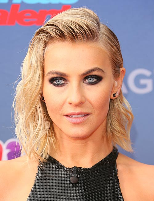 Wavy-Gelled-Hair Celebs With Stunning Short Hairstyles