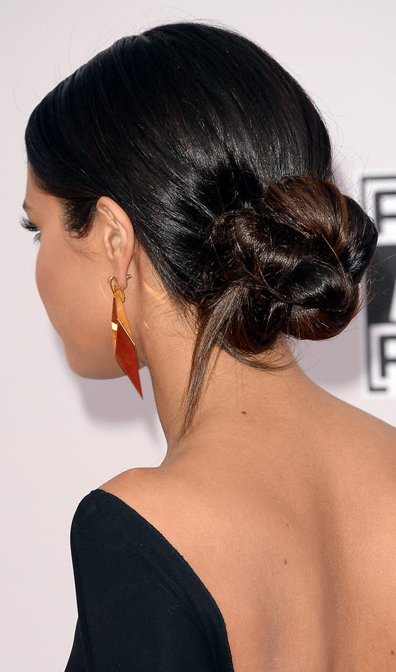 A-Beautiful-Bun Bridal Hairstyle Ideas For Your Reception