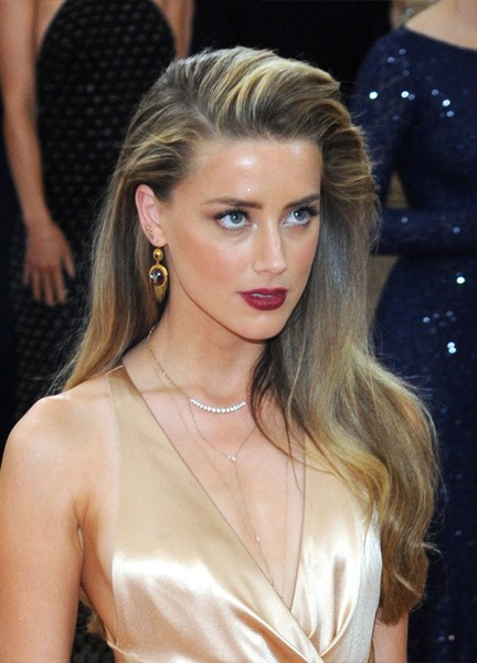 Amber-Heard-Long-Straight-Hairstyle Most Beautiful Celebrity Long Haircuts To Adore