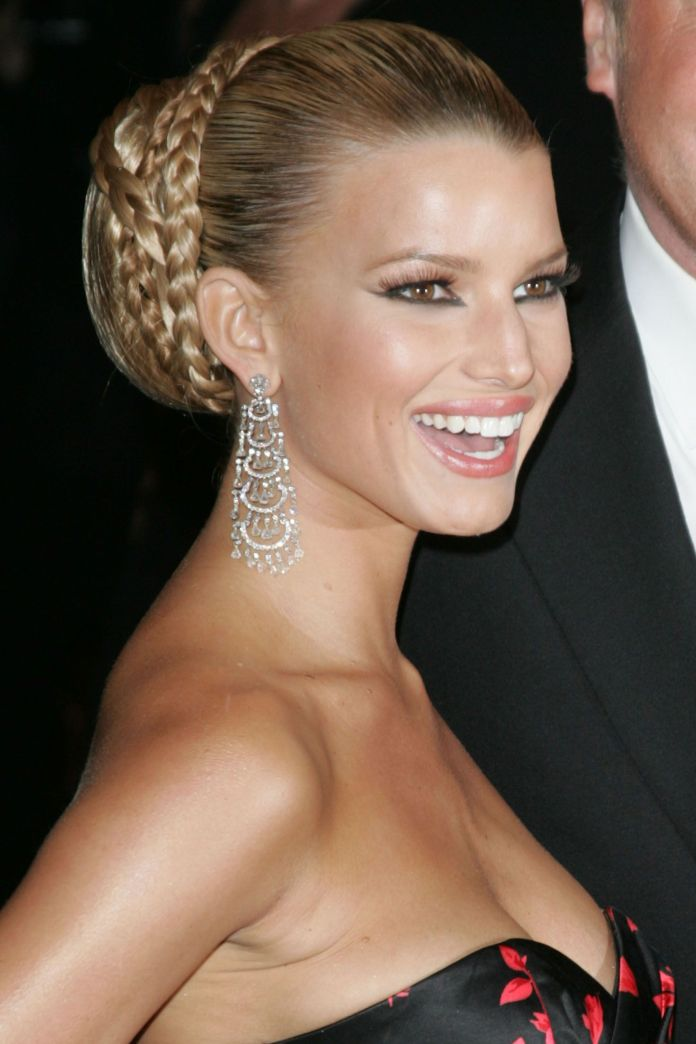 Coiled-Braided-Bun-Hairstyle Stylish and Modern Braids Hairstyles