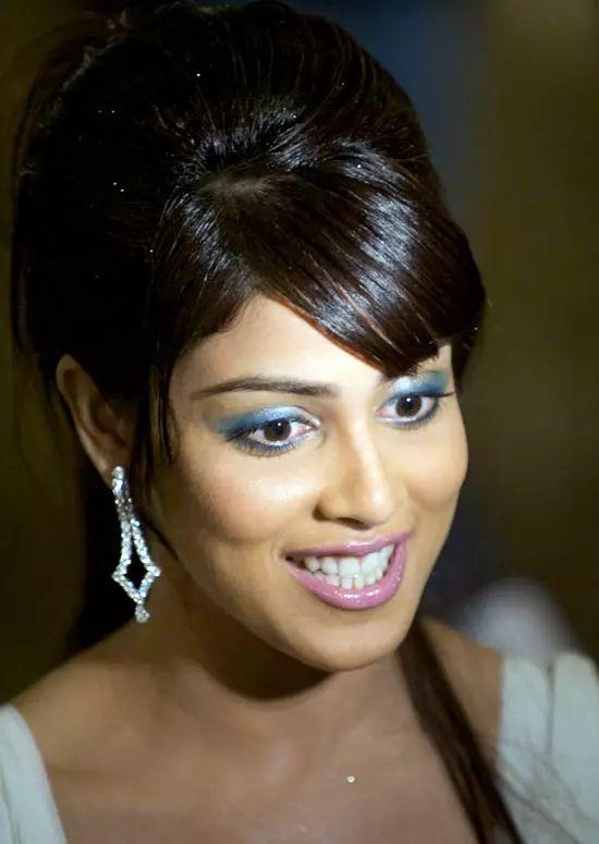 Genelia-Dsouza Top Indian Actresses With Stunning Long Hair