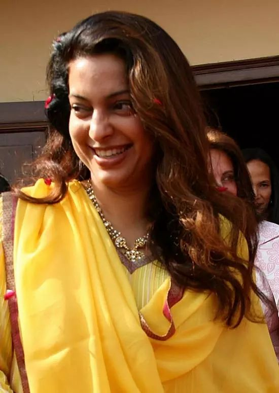 Juhi-Chawla Top Indian Actresses With Stunning Long Hair