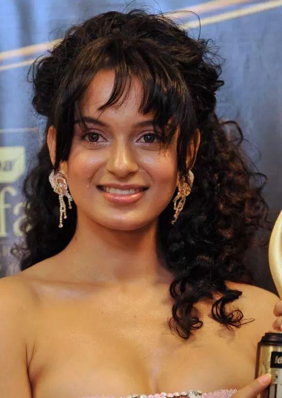 Kangana-Ranaut Top Indian Actresses With Stunning Long Hair