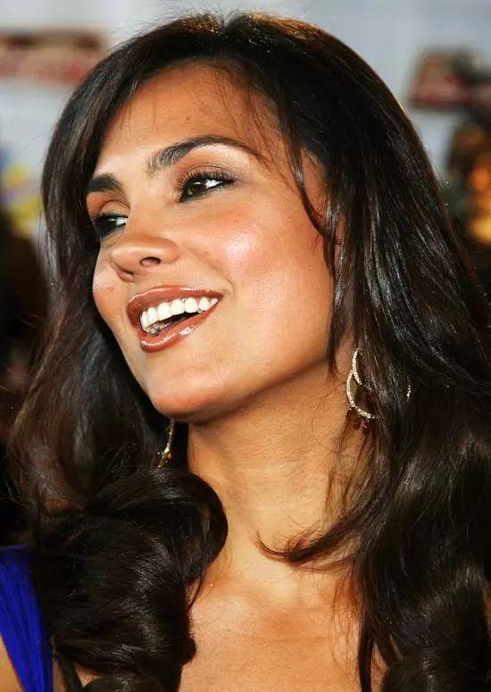 Lara-Dutta Top Indian Actresses With Stunning Long Hair