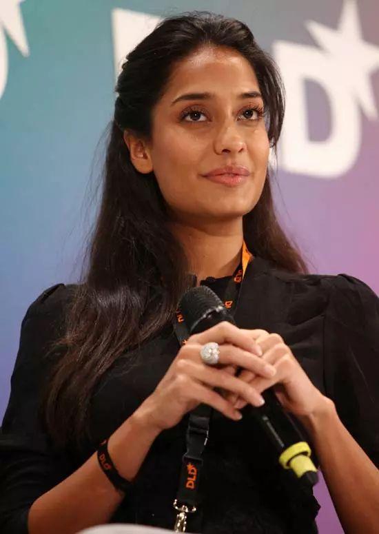 Lisa-Haydon Top Indian Actresses With Stunning Long Hair