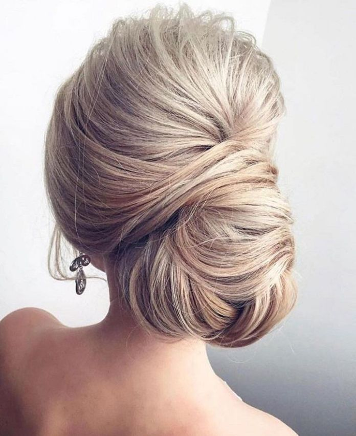 Loose-Textured-Chignon-Hairstyle Most Gorgeous Looking Chignon Hairstyles
