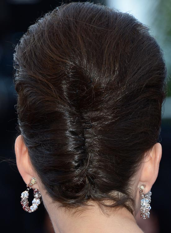 Mishmash-of-Bouffant-and-French-Twist Bridal Hairstyle Ideas For Your Reception