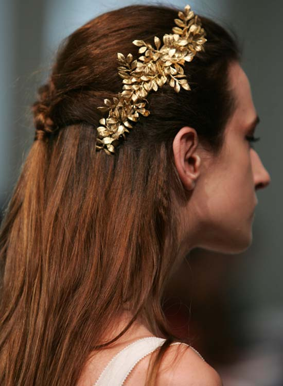 Simple-Half-Braided-Style Bridal Hairstyle Ideas For Your Reception