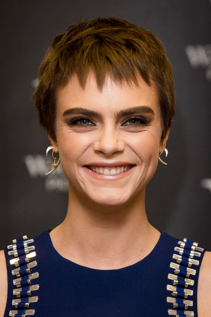 Simple-Small-and-Textured-Pixie-Cut Celebrity Short Hairstyles for Glamorous Look