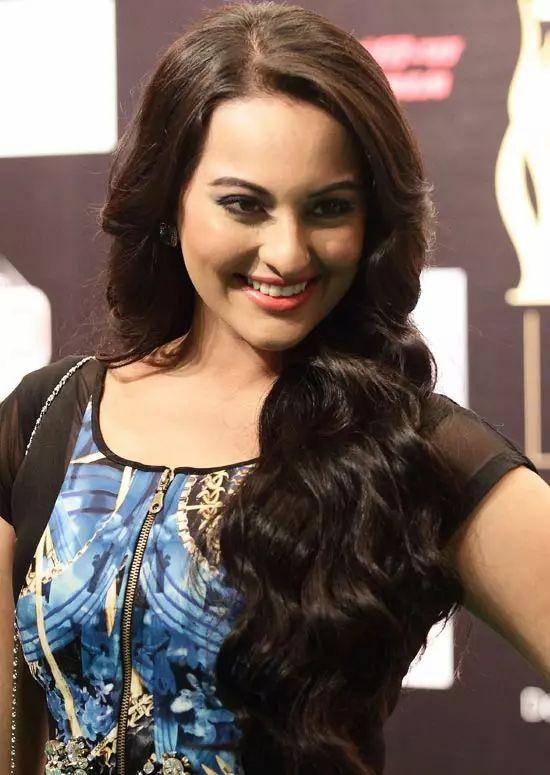 Sonakshi-Sinha Top Indian Actresses With Stunning Long Hair