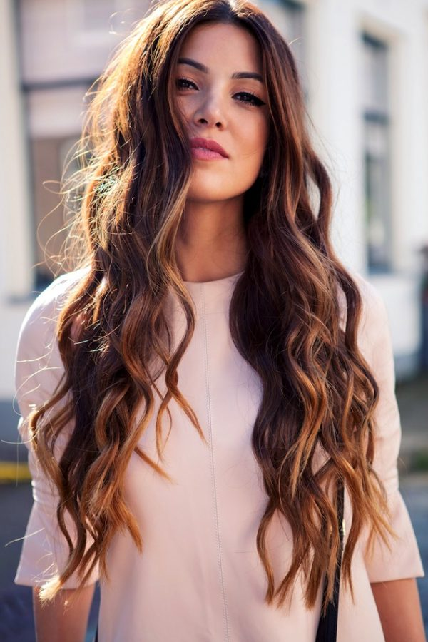 Stunning-long-hair-with-curls-for-this-fall Most Attractive Fall Hairstyles to Try This Year