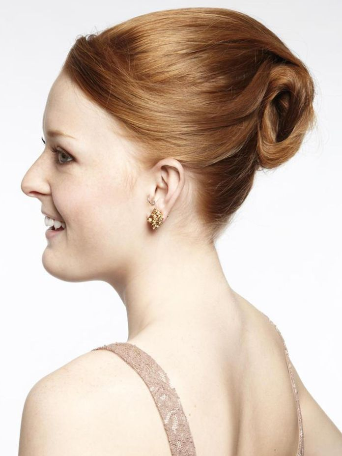 Swifty-Swirl-Chignon-Hairstyle Most Gorgeous Looking Chignon Hairstyles