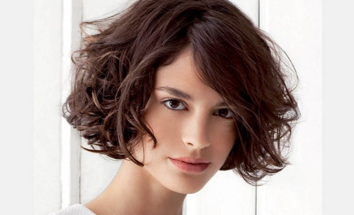 Trendy-Curly-Bob-Hairstyle-with-Bangs Stylish and Glamorous Curly Bob Hairstyle for Women