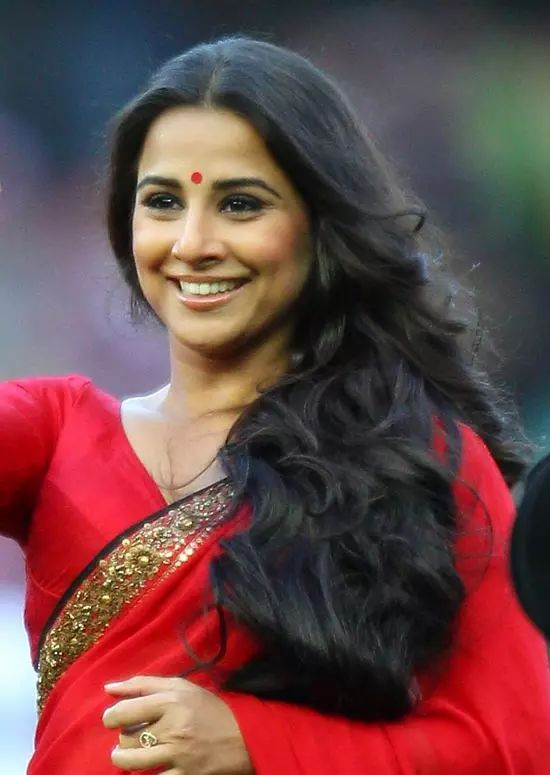 Vidya-Balan Top Indian Actresses With Stunning Long Hair