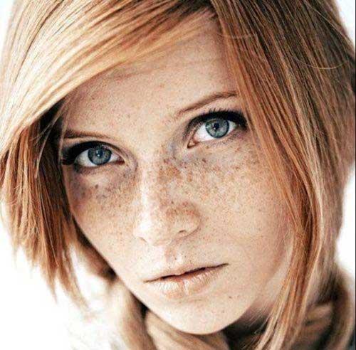 Brown-Highlighted-Short-Wavy-Hair-Idea Cute Easy Short Haircuts