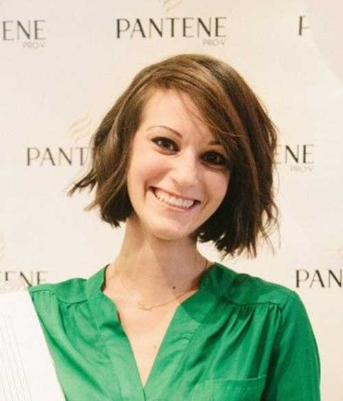 Chocolate-Colored-Bob-Hairstyle Cute Easy Short Haircuts