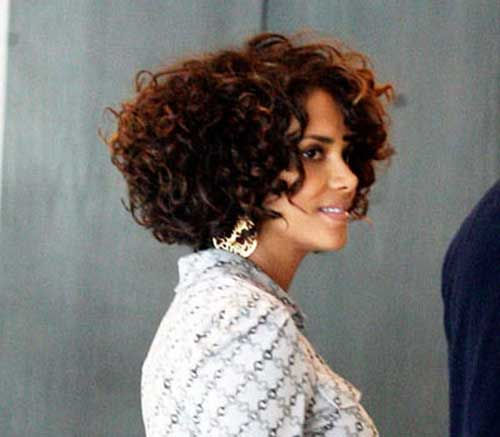 Halle-Berry's-Bob-Cut-with-Curly-Hair Best Bob Cuts for Curly Hair
