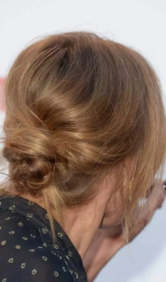 Loose-Messy-Poof Veil Bridal Hairstyles For Your Wedding Day