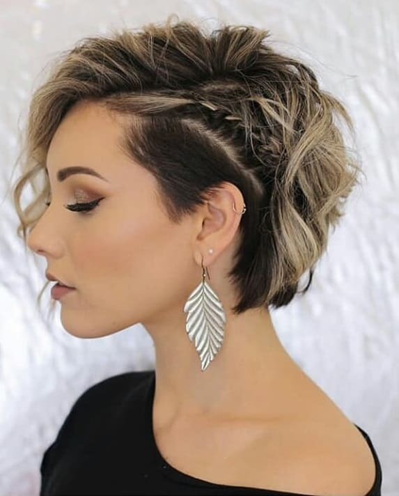 Messy-Bob-with-Side-Fishtail-Braid Exotic Messy Bob Hairstyles That Women Love