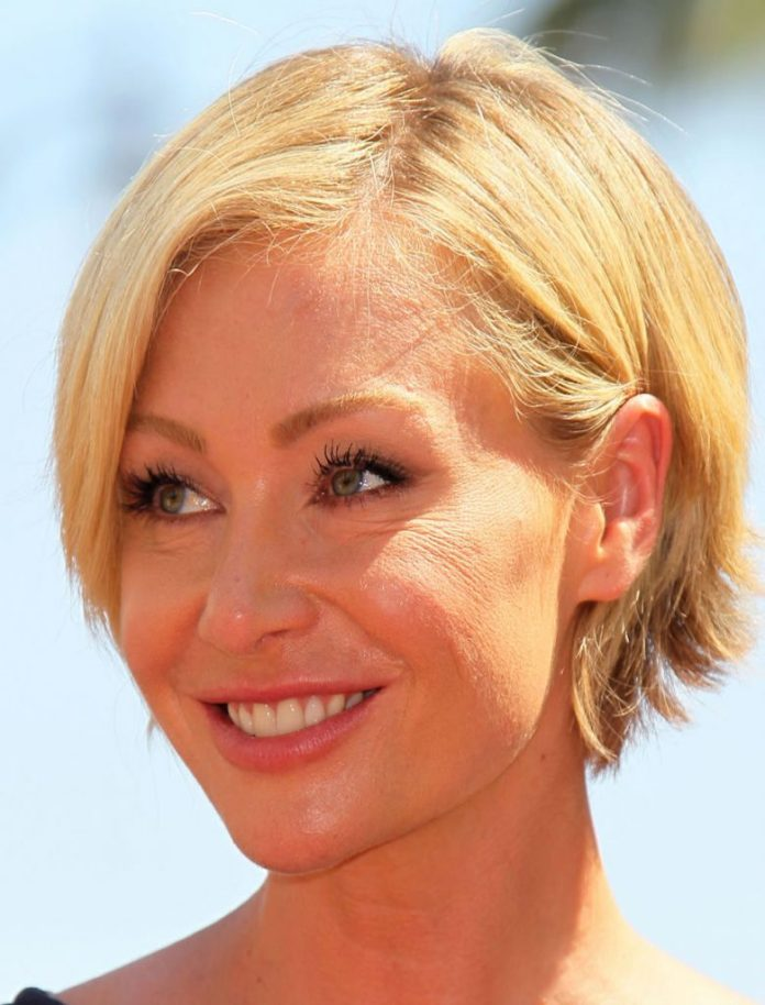 Side-Parted-Short-Blonde-Bob Bob Hairstyles for Women Over 50 – Be Hot And Happening