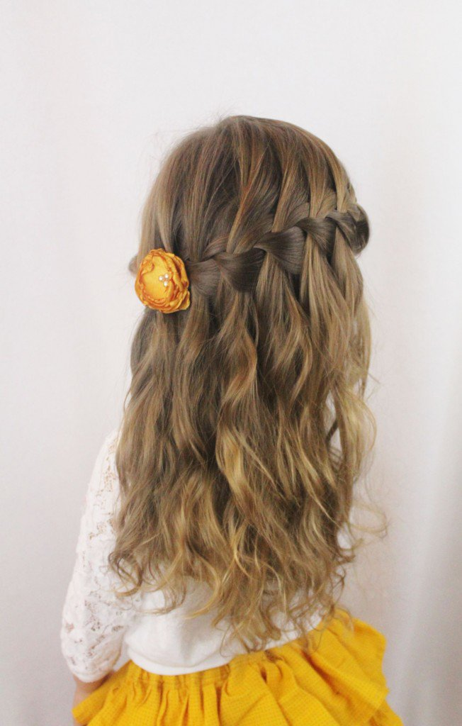 Snake-in-the-Tree-Braid Cute Hairstyles for Girls to Look Charismatic