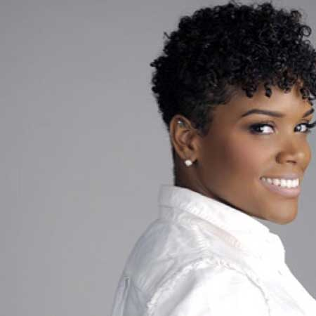 Very-Attractive-and-Fabulous-Pixie-Cut-with-Nice-Strands-of-Curly-Hair Short Hairstyles for Black Women 2020