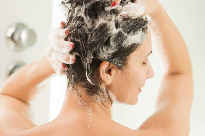 02-actually-things-you-didnt-know-dry-shampoo-87044533-Djura-Topalov If you want healthy hair, stop shampooing your hair every day!