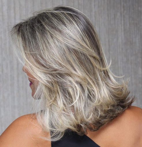 A-Flip-of-Blonde Shoulder-length hairstyles, the most popular hairstyle