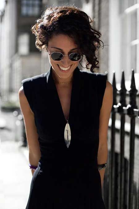 Asymmetric-Curly-Bob Short Curly Women's Hairstyles