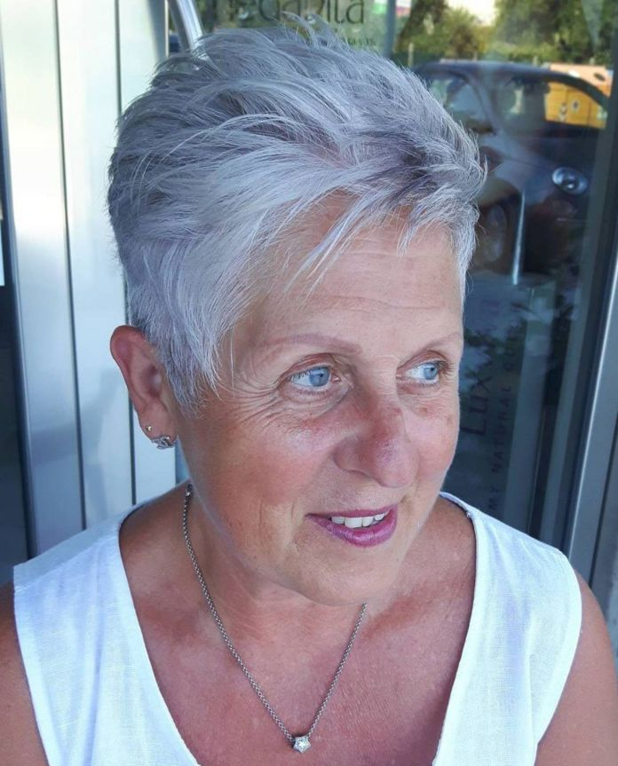 Barb-Tresses Glamorous Grey Hairstyles for Older Women