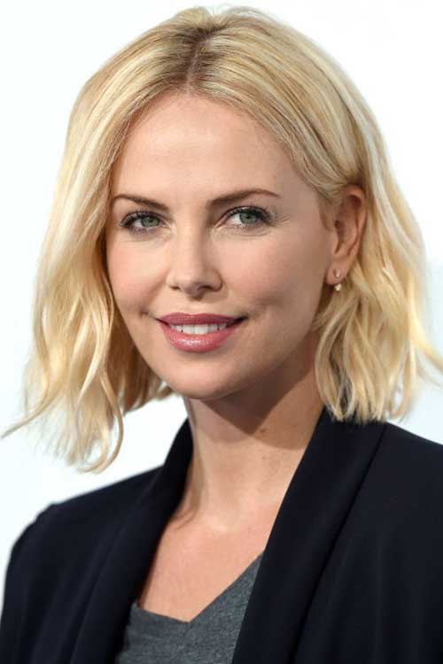 Charlize-Therion's-middle-parted-blonde-bob-hairstyle Best Celebrity Bob Hairstyles