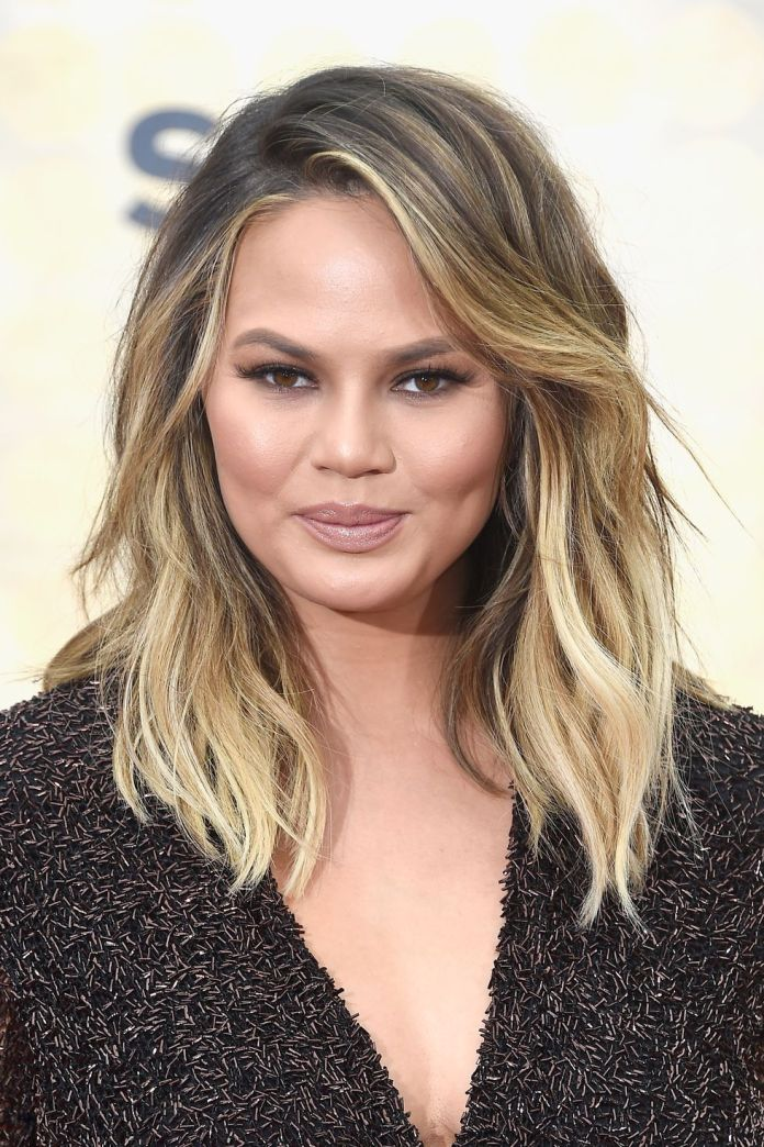 Chrissy-Teigen Short Blonde Hairstyles That'll Inspire You to Call Your Colorist