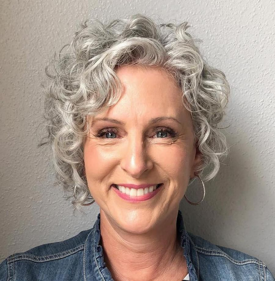 Crimps-on-Head Glamorous Grey Hairstyles for Older Women