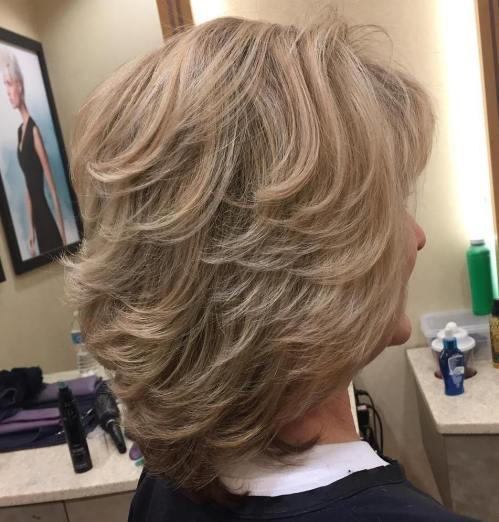 Honey-Blonde-Bob 12 Stylish shoulder-length hairstyles for women Over 50