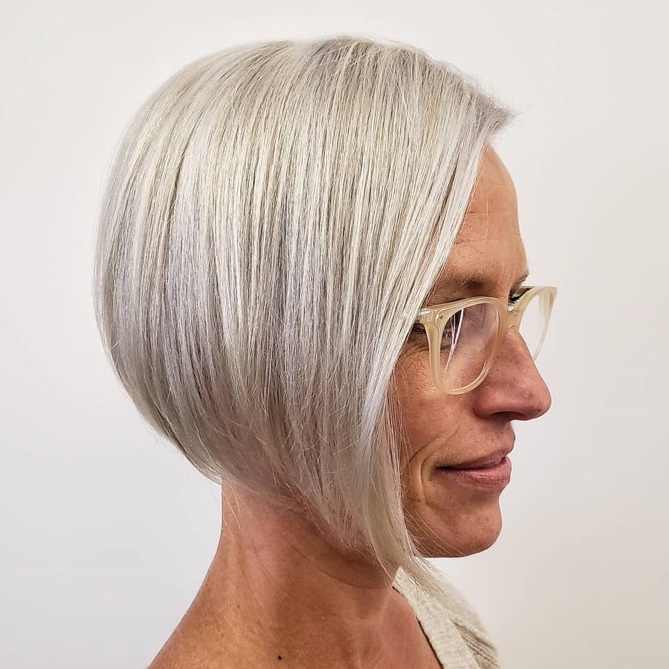 Lateral-Spout Glamorous Grey Hairstyles for Older Women