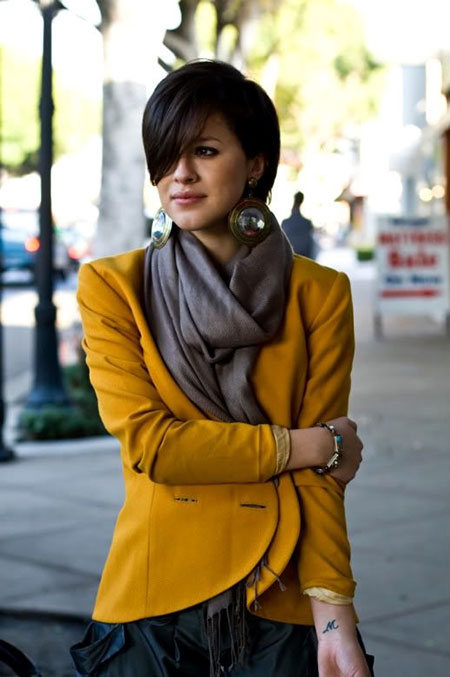 Long-Side-Swept-Front-with-Short-Bob-Trim Short Bob Hairstyles for Ladies