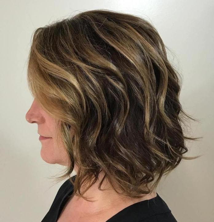 Loose-Curls Gorgeous Hairstyles and Haircuts for Women Over 40