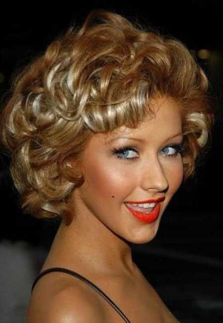 Medium-Curly-and-Classy-Hair Short Curly Women's Hairstyles